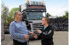 Altreifenlogistik mit Traumlastern, Scania, Reifen