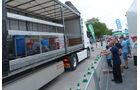 Am Dekra-Stand gab es Demofahrten zum Thema Ladungssicherung, dazwischen durfte sich das Publikum mit Segway-Fahren versuchen.