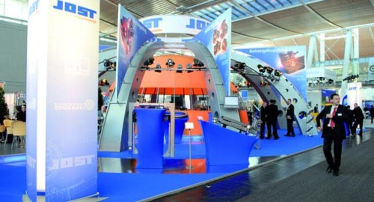 Auch 2008 präsentiert sich der Nutzfahrzeug-Zulieferer Jost auf der IAA in Hannover.