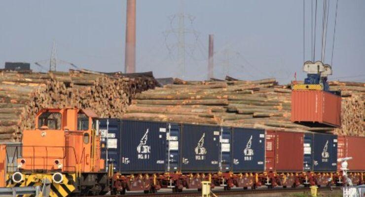 Containerzug nach Antwerpen startet