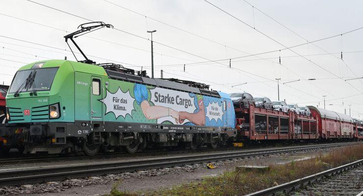 """DB Cargo Vectron wirbt für """"Starke Cargo."""" / """"Strong Cargo."""""""