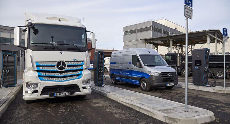 Daimler eröffnet neuen Ladepark für elektrische NutzfahrzeugeDaimler opens new charging park for electric commercial vehicles