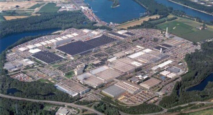 Daimler investiert kräftig in Wörth