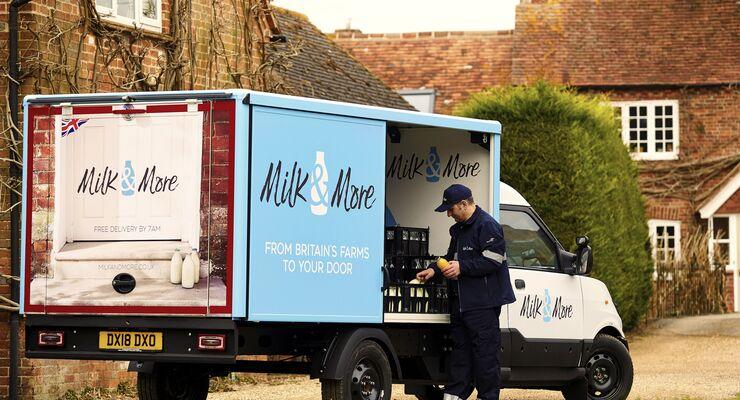 Der Streetscooter von DHL im Einsatz bei Milk & More in Großbritannien.