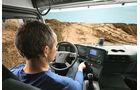 Der neue Mercedes Arocs – Fahrerhäuser, Instrumente und Taster, Cockpit