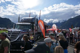 Die FERNFAHRER Roadshow Drive Your Dream macht auf Festivals, Messen und Rennen Station.