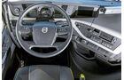 Die stärksten Serien-Lkw, Vergleichstest, Cockpit, Volvo
