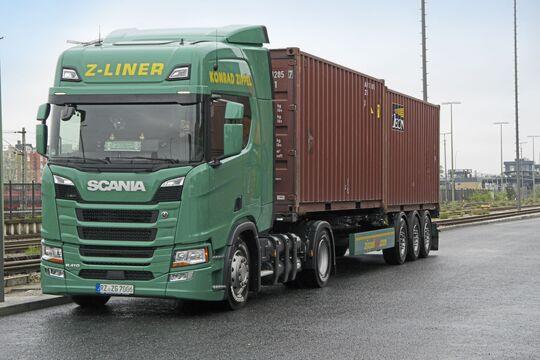 Einer der drei Neuen: Seit April erweitert dieser Scania R410 die CNG-Flotte von Zippel am Standort Berlin.