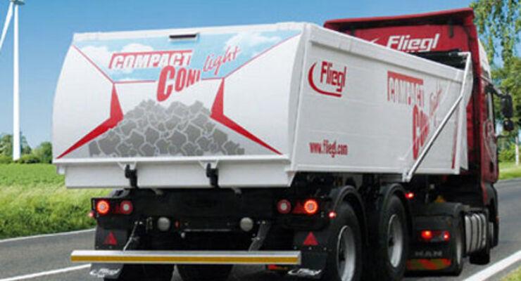 Fliegl und ADAC Truck-Service kooperieren