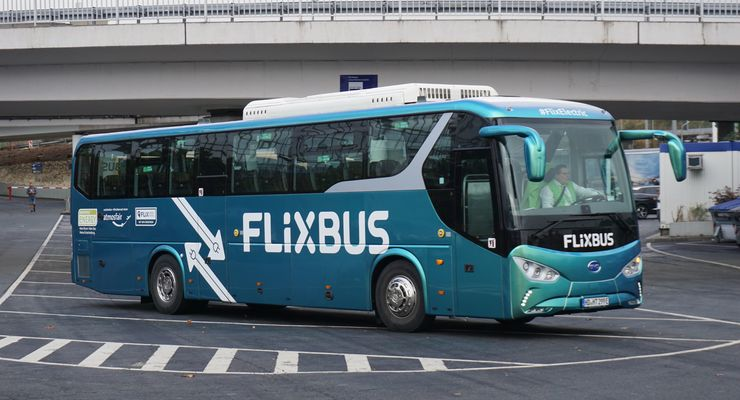 Flixbus BYD C9 Elektrobus