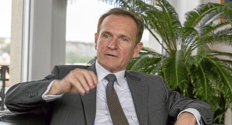 György Wáberer, Geschäftsführer Wáberer