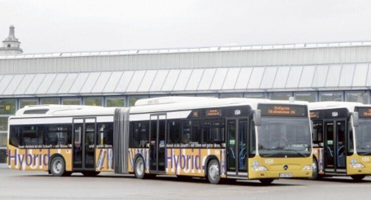 Hybridbusse sparen bis zu 30 Prozent