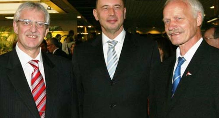 Josef Kunz, Bundesverkehrsminister Wolfgang Tiefensee, Peter Reichelt (v.l.)