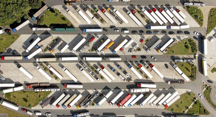 Lkw-Parkplatz, Siemens, Parkplatzmangel, Parkplatz