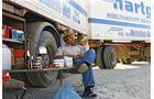 Manfred Wiesner wartet an der Grenze