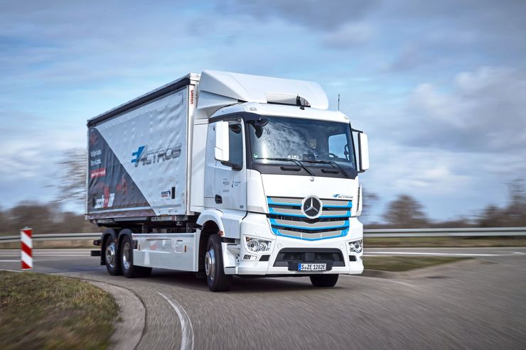 Mercedes eActros Elektro-Lkw Logistik Schmitt 2019