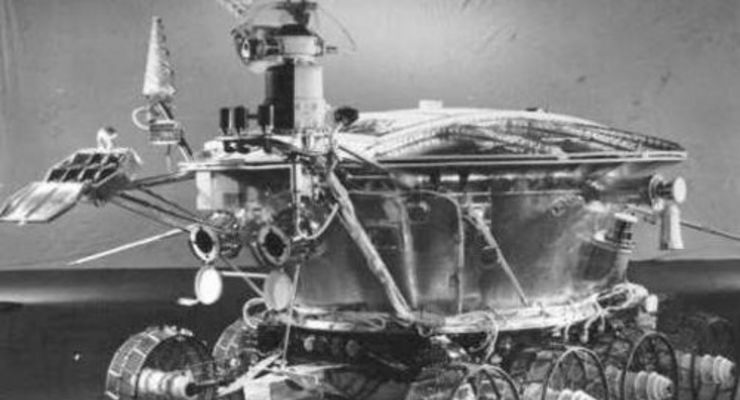 Mondlandesonde Lune 17 einer Proton-Rakete setzt den Rover auf dem Mond ab