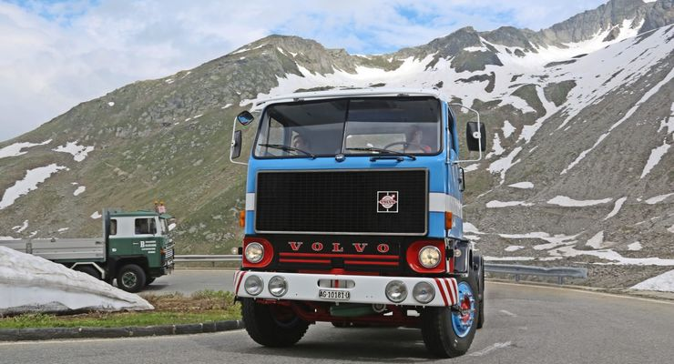 Passfahrt Lkw-Oldtimer Volvo Scania Saurer Büssing