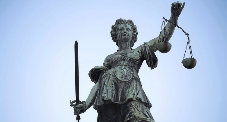 Recht, Gericht, Justizia, Justitia, Justiz, Urteil, Gerechtigkeit, Jura, Waage,  *** Local Caption *** etmonline