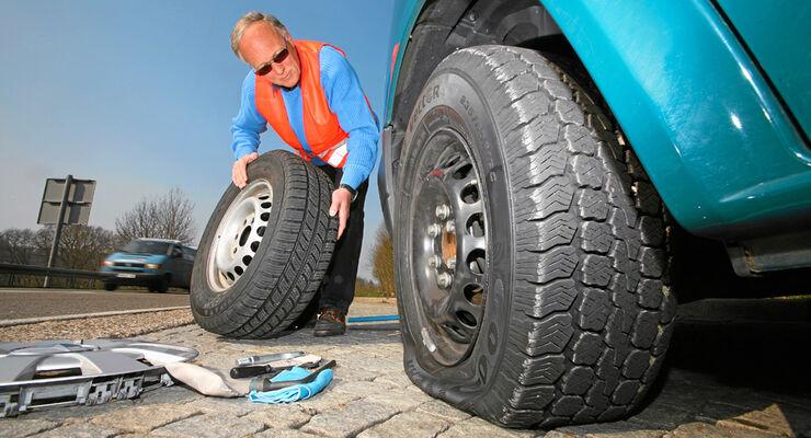 Reifenpanne, Radwechsel, ersatzrad