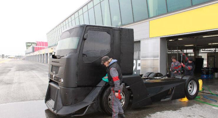 Renault bekennt sich zum Truck Race