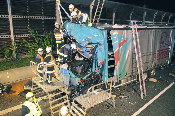 Report-Unfälle trotz Notbremsassistent