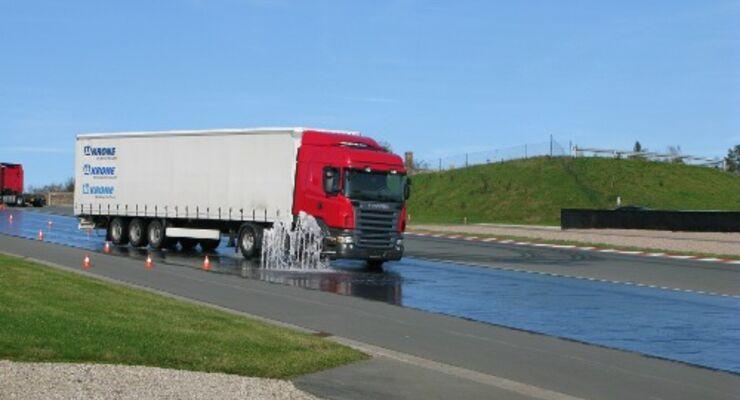 Scania-Fahrtraining für mehr Sicherheit