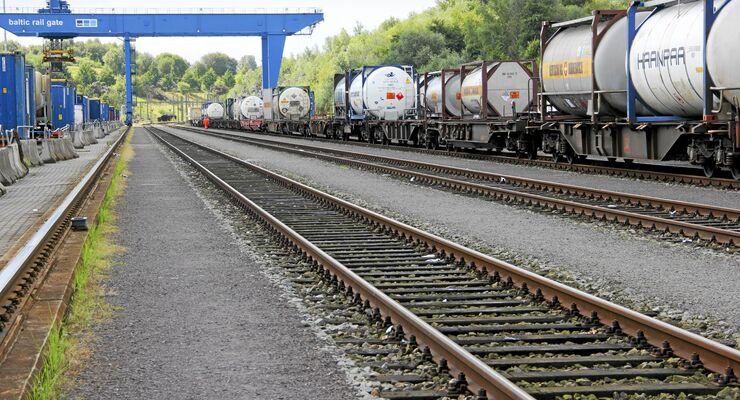 Schiene, kombinierter Verkehr, tankcontainer, hub, gate