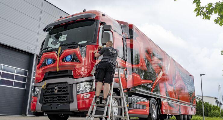 Signal-Reklame Beklebung von Renault Trucks