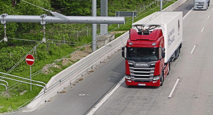 Start Feldversuch mit Oberleitungs-Lkw auf der A 5 in Hessen, Spedition Hans Adam Schanz