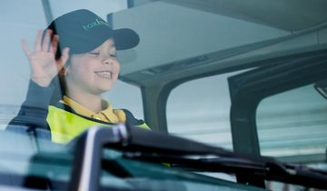 Stoppen, schauen, winken, Volvo Trucks, Initiative