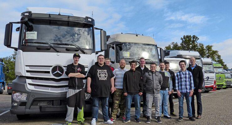 Truck Clinic Wörth mit BKF-Azubis, Prototypen-Erprobung, Entwicklungs- & Versuchszentrum, Daimler. Fotos von Daimler freigegeben.
