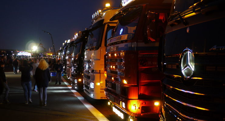 Truck Grand Prix 2013 - Trucks bei Nacht