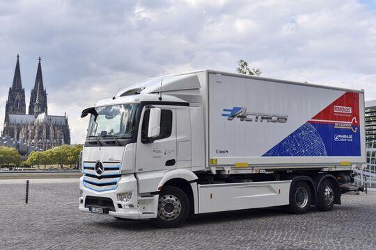 Übersicht über Lkw mit alternativen Antrieben bei Rhenus.