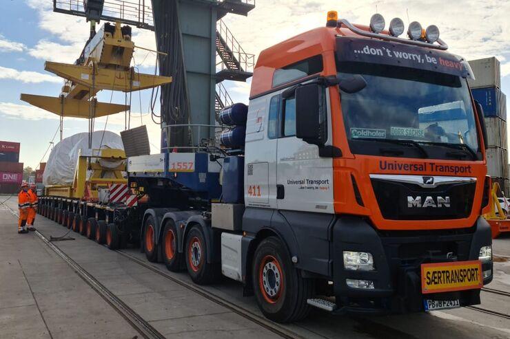 Universal Transport Großraum- und Schwerlasttransporte