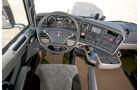 Vergleichstest Euro-6-Zugmaschinen, Cockpit, Scania