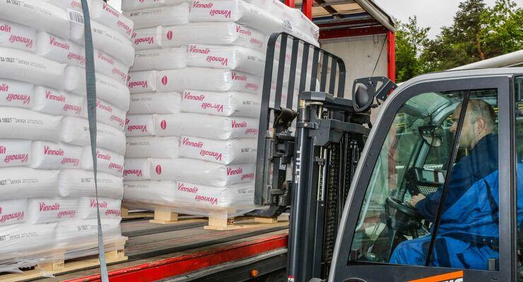 Vinnolit verlängert und erweitert den Vertrag mit Greiwing logistics for you.