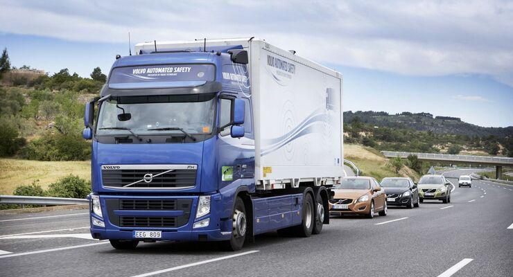 Volvo, Lkw, Sartre, Fahrezeugverband, automatisiert