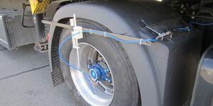 Vom Fraunhofer LBF gemessene radseitige Kräfte entsprechen Belastungen, denen Straßen ausgesetzt sind. Foto: Fraunhofer LBF