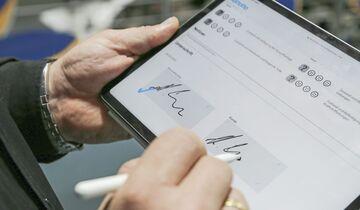 Werbas.blue Unterschrift auf Tablet