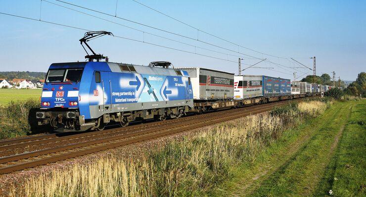 """Zug des DB Schenker Rail Netzwerkes """"Albatros"""""""